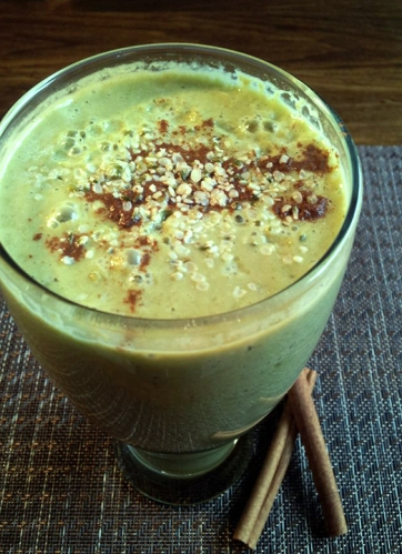 Banana Pear Hemp Seed Smoothie
